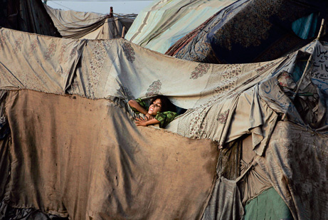 Pakistan-tent-city-poverty_big