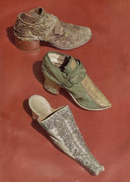 16th Century Shoes of 16th Century Top