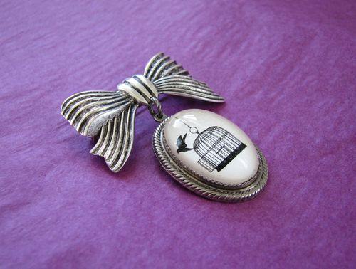 Bird pin2