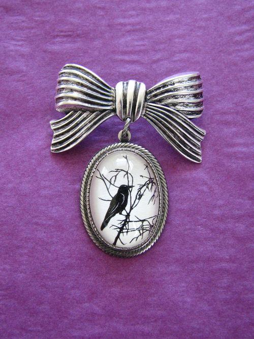 Crow pin1