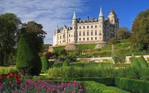 Beautiful-British-castles-8-576x359